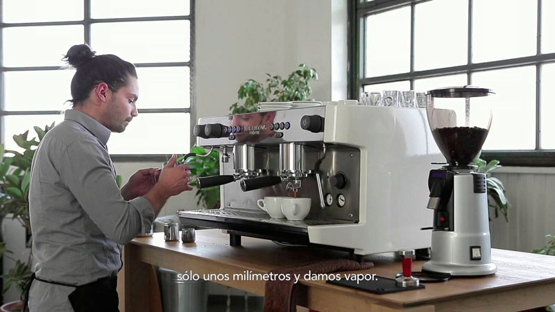 Профессиональная кофемашина IB7