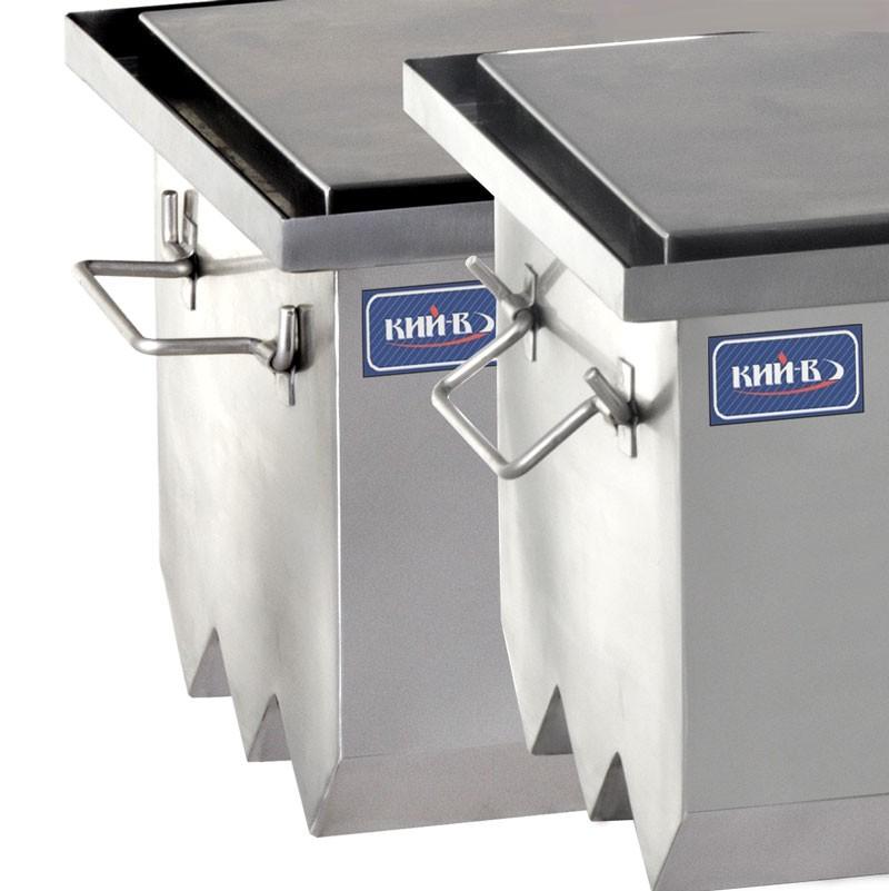 Двухярусная конструкция решетки из нержавеющей стали обеспечивает использование всего объема коптильни.
