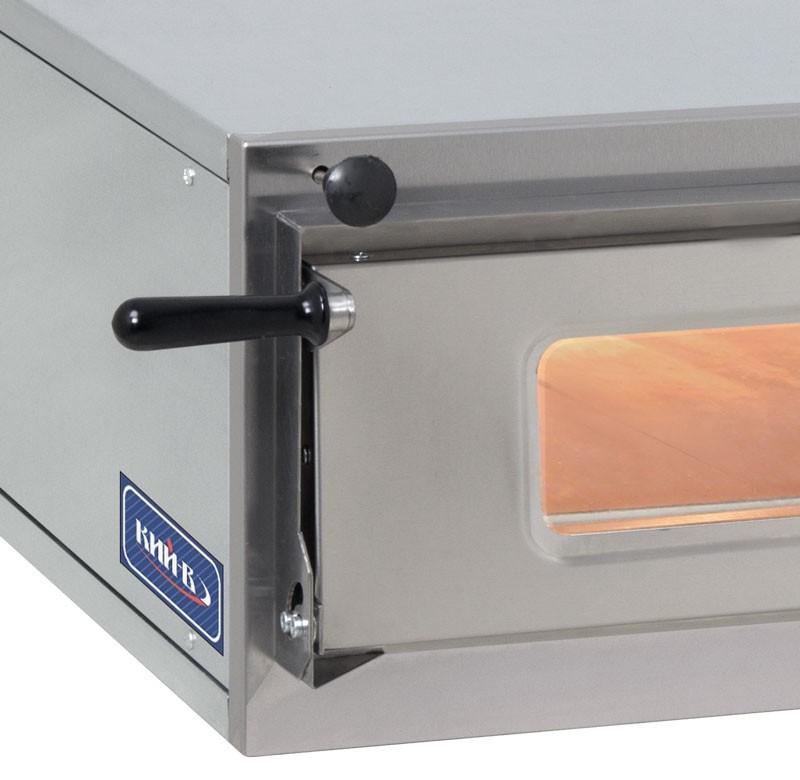 Печь для пиццы комплектуется двумя термостатами в каждой секции