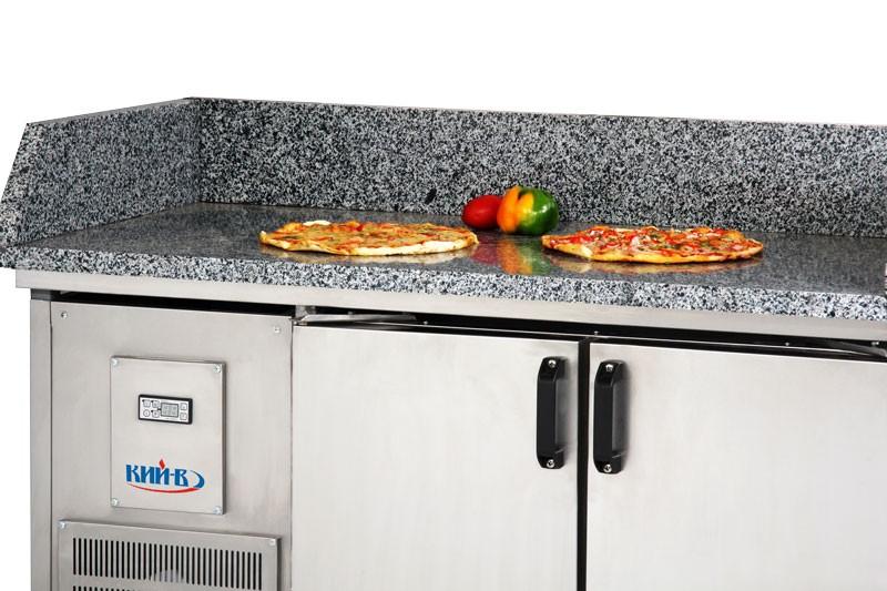 Холодильные столы для пиццы. Столешница изготовлена из гранита.