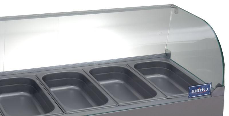 Радиусные стекла придают холодильной витрине современный дизайн